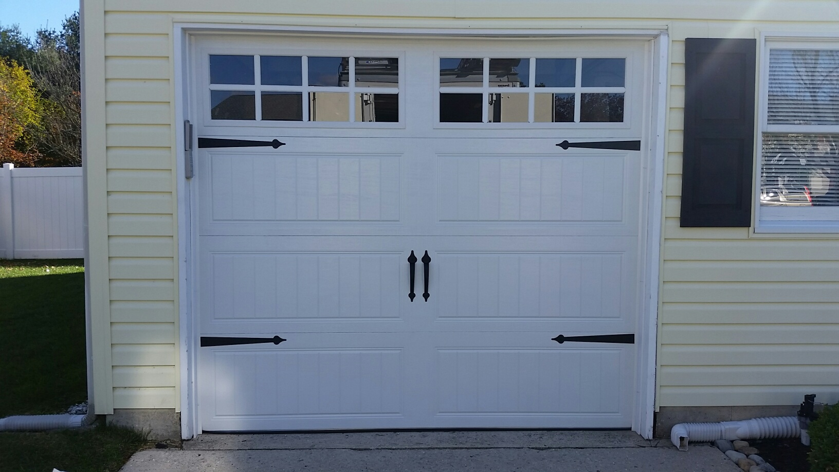 Clopay garage doors gallery collection fluidelectric for Clopay steel garage doors
